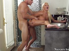 Nikita Von James, Johnny Sins - Seduced by a cougar